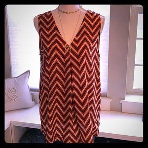 Sleeveless V-neck front & back blouse - Med